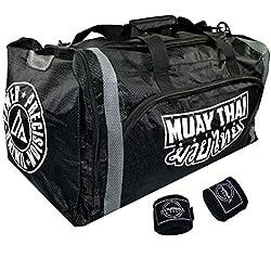 Dynamix Athletics Muay Thai Warrior XL Sac de Sport pour Arts Martiaux Thaiboxes Fitness Boxes - Imperméable - Très Grand Espace - Bundle avec Bandages de Boxe