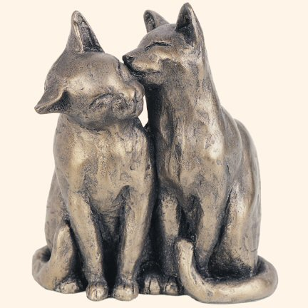 yum-yum-friend-bronzed-cats-sculpture-by-paul-jenkins-by-frith-sculpture-naturally-cats-sculpture