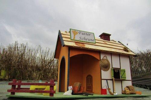 XXL Vogelfutterstelle Futterhäuschen, Vogelfutter Platz, Futterscheune und Nistkasten - 5