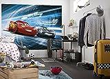 Komar 4-423 Disney-Fototapete Cars 3 STIMULATION-254x184cm-Tapete, Wand Dekoration, Rennwagen, Auto, Sportwagen-4-423, Bunt, 254 x 184 cm, 4 Teile