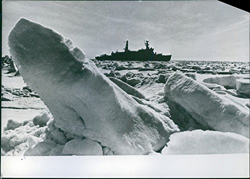 vintage-photo-of-soviet-atomic-ice-breaker-arctica-on-its-way-1957