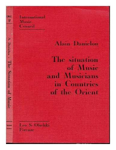 Portada del libro The situation of music and musicians in countries of the Orient / Alain Danielou in collaboration with Jacques Brunet ; translated by John Evarts