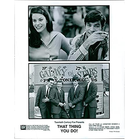 Vintage photo of Liv Tyler, Johnathon Schaech, Ethan Embry, Steve Zahn and Tom Everett Scott in That Thing You Do!