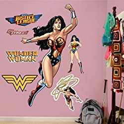 FATHEAD Wonder Woman in Action Graphic Wall D cor