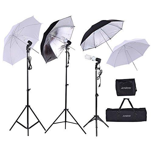 Andoer Foto Studio Installationssatz 2*2m Standplatz + 3*45W Birne + 2*83cm weißer Regenschirm +2*83cm Schwarzer Silberner Regenschirm + 1*80cm Standplatz + 3*Birnen-Schwenksockel mit 1 Birne Beutel