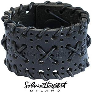 Schwarzes Leder Armband mit Lochmuster