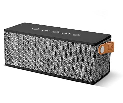 Fresh 'n Rebel Speaker Rockbox Brick Fabriq Edition, potente altoparlante Wireless portatile 12W, Extra Bass, Bluetooth, tasti touch, funzione powerbank + vivavoce, in tessuto, Compatibilità Smartphone/Tablet/laptop e MP3, nero antracite (concrete)