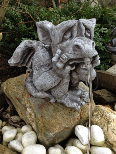 Wasserspeier Drache für Garten Deko Steinguss Fantasiefigur Steinfiguren TeichWasserspeier Drache für Garten Deko Steinguss Fantasiefigur Steinfiguren Teich