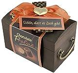 Pralinen Geschenkbox aus Holz | Pralinenschachtel Holztruhe mit Spruch Schön dass es dich gibt | Kleines Geschenk Geschenkidee Freundin mit Schokolade