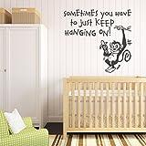 V & C Designs Ltd (TM) garder suspendue sur Monkey Jungle de bébé Chambre d'enfant Chambre à coucher salle de jeux Autocollant mural en vinyle papier peint Décoration murale pour chambre de fille