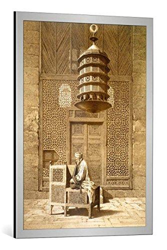 """kunst für alle Bild mit Bilder-Rahmen: Maurice KeatingAn Imam reading the Koran in the Mosque of the Sultan, Morocco, 1817"""" - dekorativer Kunstdruck, hochwertig gerahmt, 65x90 cm, Silber gebürstet"""