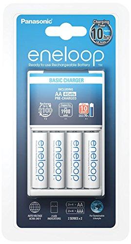 Panasonic caricabatterie basic charger con 4 stilo aa ricaricabili eneloop, bianco