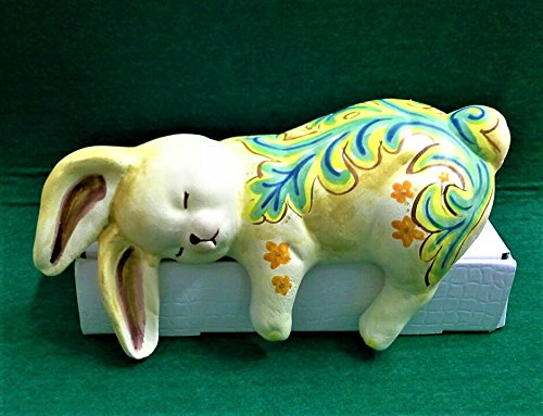 Coniglio pasquale in ceramica decorato