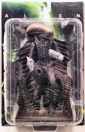 Preisvergleich Produktbild Alien Standing Wall Relief antik finish by Alien