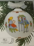 Hutschenreuther Weihnachtskugel 1987 Puppenspiele, mit Originalverpackung, Porzellankugel Kugel Design von Ole Winther / Porcelain ball / Sfera porcellana