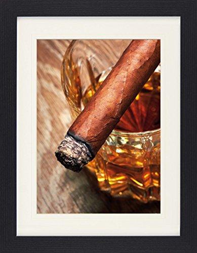 1art1 113900 Alkoholische Getränke - Whiskey Und Zigarre Gerahmtes Poster Für Fans Und Sammler 40 x 30 cm