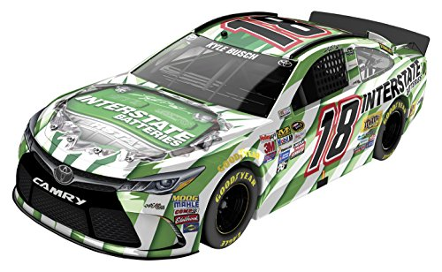 lionel-racing-kyle-busch-18-interstate-batteries-2016-toyota-camry-nascar-diecast-car-124-scale-chro