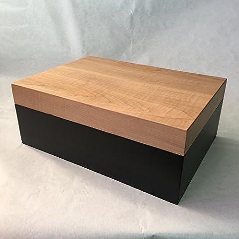 HUMIDOR ABLE arce y lacado en negro. 100 Cigarros. Ext: 34x24x13 cm