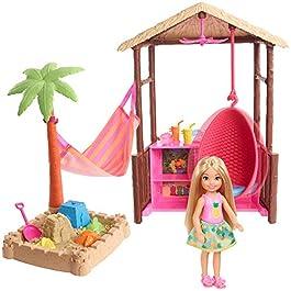 Barbie Bambola Chelsea Bionda, Playset con Bungalow sulla Spiaggia, Poltrona Sospesa, Amaca, Sabbia