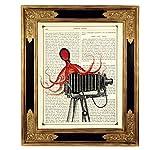 Oktopus Fotoapparat Filmkamera Kraken Steampunk Kunstdruck auf viktorianischer Buchseite Geschenk Bild Poster ungerahmt