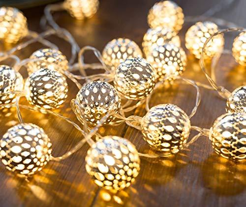 CozyHome marokkanische LED Lichterkette | 7 Meter Gesamtlänge | 20 LEDs warm-weiß | Kugeln Orientalisch Silber – kein lästiges austauschen der Batterien | NICHT batterie-betrieben