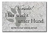 Hochwertiges Metallschild 30 x 20 cm aus Alu Verbund Vorsicht hier wacht unser Hund Deko Schild Wandschild