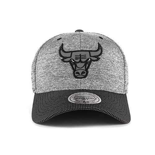 Mitchell & Ness Cap Chicago Bulls HUD031 Grey Black Snapback Flexfit