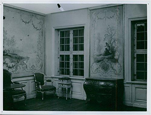 vintage-photo-of-rococo-interior-roland-schroder-house-on-the-iron-market-old-town