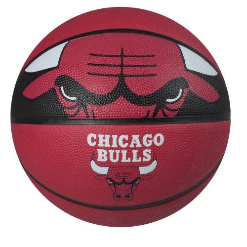 Spalding NBA Courtside Team Outdoor Gummi Basketball, Chicago Bulls, 29.5