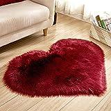 JEOHMMA Teppich in Herzform, weiches Kunstfell, Teppich für Stuhl, Sofa, Schlafzimmer, Nachttisch, Wohnzimmer, weinrot, 30x40cm