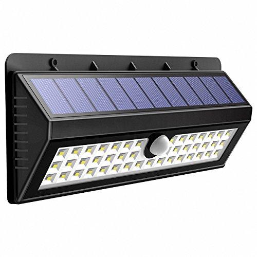 44 LEDs 800 Lúmenes Lamparas Solares con Sensor de Movimiento de OMorc, 3 Modos de iluminación opcionales, la batería 2200mAh Proporcionar hasta 8 12 HORAS y en un Angulo de 120º. IP65 impermeable