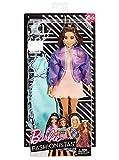 Barbie FJF71 Fashionistas Puppe + Mode Geschenkset in lila Oversized Jacke
