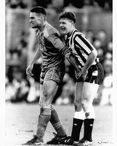 Lovingmystuff Vinnie Jones grabbing Paul Gascoigne by his ...