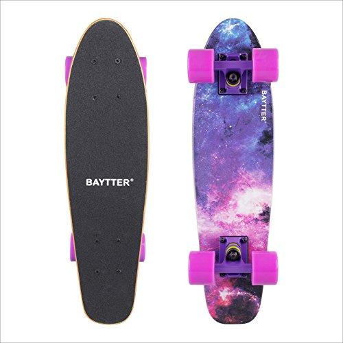 Baytter 22 Zoll Skateboard Komplett Board Mini-Cruiser aus 7-lagigem Ahornholz 57x15cm für Kinder Jugendliche und Erwachsene mit ABEC-7 Kugellager und 95A Rollenhärte, Sternenhimmel
