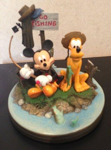 Disney Park Mickey Mouse Pluto Gone Fishing Figur Kunst Charles Bruce Boyer (Disneyland Kunst)