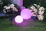 Effektvolle Solarleuchtkugel Madina mit Fernbedienung und LED farbwechselnd Dekoleuchte für den Garten Terrasse Balkon Solarleuchte Solarlampe Kugelleuchte Kugel Bodenleuchte (Durchmesser 20cm)