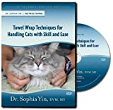 Image de Towel Wrap Techniques for Handling Cats with Skill and Ease (Low Stress Handling Seminar)
