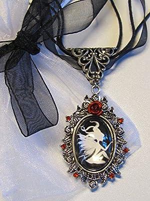 Créations bijou feerique - Bijoux pendentifs féeriques - Pendentif Fée en Argent Noir et Blanche silhouette féerique - Bijoux ésotérique