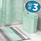 mDesign Juego de 3 accesorios de baño – Set de baño con cortina de ducha con dibujo geométrico, alfombra de baño antideslizante de microfibra y cubo de basura de 5,7 l – verde menta/gris/blanco