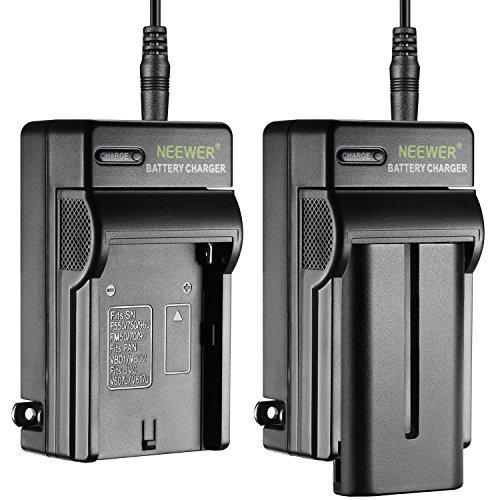 Neewer 2pz Batteria a Litio 2600mAh per Sony F550 & Caricabatterie AC con Spine US/UE & Adattatore da Auto, per Luci LED CN-160 CN-216 Monitor da Campo NW759 74K 760 S7 F7 Feelworld Aputure Bestview