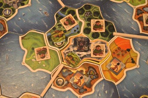 Imagen principal de Asmodée SW06 Smallworld Realms - Juego de estrategia (ampliación para el juego Smallworld)