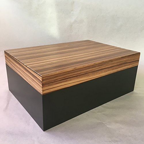 humidor-able-zebrewood-and-black-lacquer-100-cigars-ext-34x24x13-cm