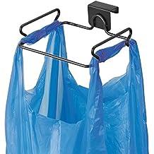 mDesign Soporte para bolsa de basura – Práctico colgador de puerta para bolsas de residuos – Cuelgabolsas fácil de colocar sobre la puerta – Porta bolsas para remplazar el cubo de basura – negro mate