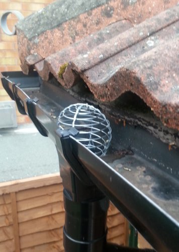 gutter-pipe-leaf-wire-balloon-63-75mm