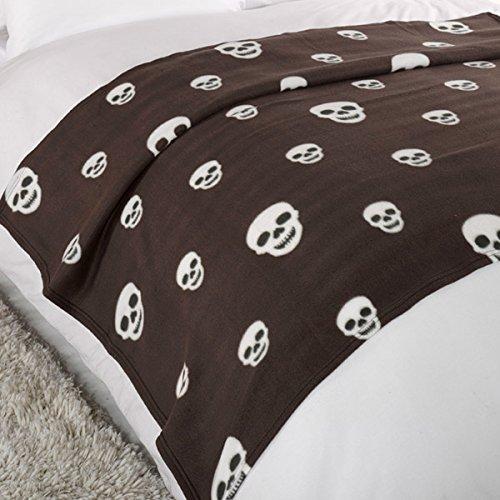 Dreamscene Skulls Fleece Blanket, Chocolate, 120 x 150 Cm