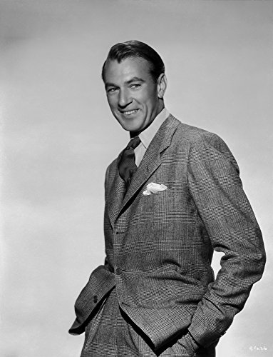 The Poster Corp Gary Cooper Smiling with Gray Background Photo Print (20,32 x 25,40 cm) (Gary Cooper-poster)