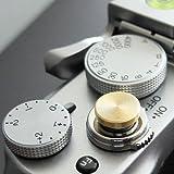 Auslöseknopf in Messing (flach gerillt, 10mm) für Leica M-Serie, Fuji X100, X100S, X100T, X100F, X10, X20, X30, X-T2, X-T10, X-T20, X-Pro1, X-Pro2, X-E1, X-E2, X-E2S und die meisten Kameras mit Drahtauslöser-Gewinde, innerhalb von 24 Stunden versandbereit