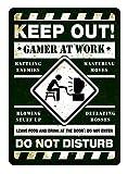 PotteLove Gamer at Work Green Art inspirierendes Gaming Geek Nerd Decor Novelty Art Art Sign Funny Aluminium Metal Tin Schilder 20,3 x 30,5 cm