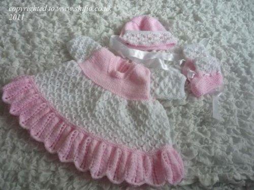 Strickanleitung - KP192 - Babykleid, Mütze und Schühchen