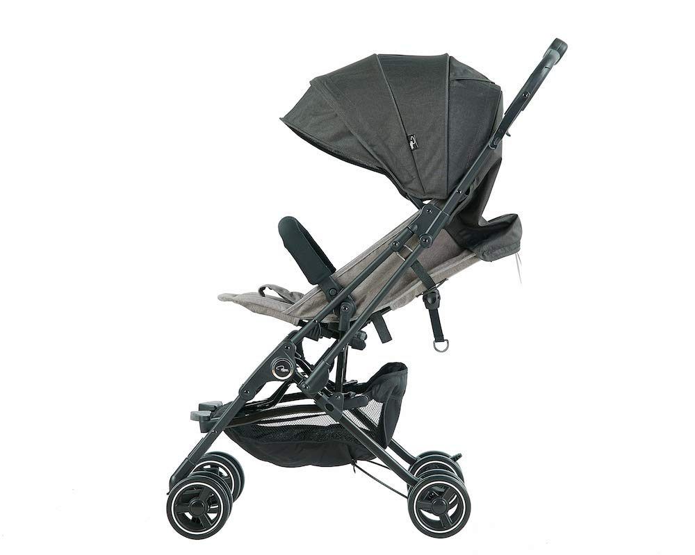 Roma Capsule² Compact Airplane Travel Buggy from Newborn + Rain Cover, Insect Net and Travel Bag, Only 5.6 kgs - Grey with a Black Chassis Roma Compact lie-back stroller - suitable from newborn to 15 kgs Includes rain cover, insect net, travel bag Locked and swivel wheels, shopping basket, 6